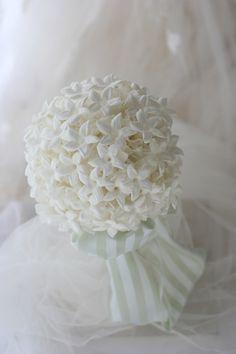 ラウンドブーケ プリザーブドのジャスミンの花だけで 愛知まで プリザーブド
