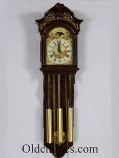 This chiming wall clock was made by the Warmink company in Holland probably around 1970-1978. It is a modern version of the classic Dutch Friesland Staartclock. The movement was made by Wuba, a Dutch company that made very good quality movements exclusively for Warmink. From the late 1970's Warmink used cheaper imported movements of lessor quality and stopped using Wuba, who ceased making clock movements. #oldchimes #antique #clocks