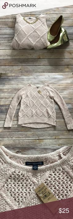 "NWT American Eagle cable knit sweater NWT blush pink cable knit sweater from American Eagle Outfitters. Measures 26"" in length, in flawless condition. Make an offer or bundle and save! American Eagle Outfitters Sweaters Crew & Scoop Necks"