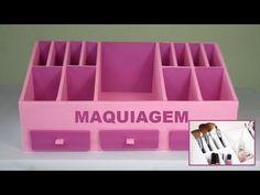 Organizador de maquiagem todo de papelão - Faça você mesmo. - YouTube Foam Board Crafts, Diy Storage Boxes, Diy Rangement, Craft Station, Jewellery Boxes, Desk Organization, Diy Videos, Storage Solutions, Diy Fashion