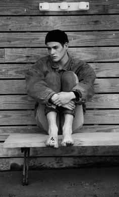 Frederic Monceau - Fresh face Raphael stars in this rugged portrait series by photographer Frederic Monceau. The fresh faced M Managaement model stars in a set of bla. Beach Bum, Summer Beach, Editorial Fashion, Face, Model, Beach Fashion, Fashion Editorials, Fashion Styles, Composition