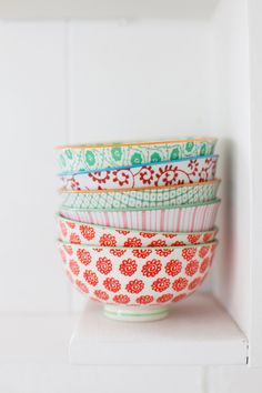 When I move back to Madisonville and my sister is getting her own place, she is getting pretty much all of my stuff (since I'll be living at home). So I'm going to start looking for pretty mis-match bowls for after med school. Like these. :)