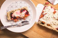 Vegaaninen punajuuripiirakka. Vegan beetroot pie. Vegan Food, Vegan Vegetarian, Vegan Recipes, Vegan Protein, Beetroot, Pie, Lifestyle, Pinkie Pie, Vegan Sos Free