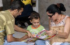 Por: Maylín Pérez Enriquez y Adriana Elías Rodríguez Hoy, 21 de febrero, se celebra el Día Internacional de la Lengua Materna. Fue proclamado por la UNESCO en el año 2000 para promover la diversida...