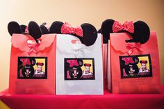Favors at a Minnie Mouse Party #Minniemouse #partyfavors