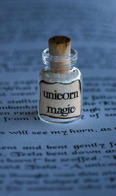 quietus-in-silvam:on We Heart It. http://weheartit.com/entry/48468399 A little sprinkle of sparkle adds magic to everything! *smirk* ~Charlotte (PixieWinksFairyWhispers)