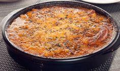 Receta de Alubias gratinadas con salchichas y salchichón | Karlos Arquiñano · #LaReceta #Gastronomía