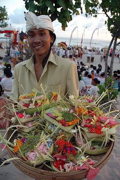 Tilem - New moon ceremony in Bali #Tilem #Bali #rituals