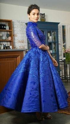 Stunning alia bhatt in blue Indian Celebrities, Bollywood Celebrities, Bollywood Fashion, Bollywood Actress, Hindi Actress, Bollywood Stars, Women's Fashion Dresses, Girl Fashion, Womens Fashion