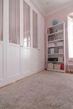 Dormitorio Kids Bedroom, Bookcase, Entryway, Room Decor, Shelves, Closet, Furniture, Carnival, Built In Robes