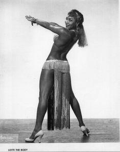 Va Va Voom - bhof: Vintage Black Burlesque: Rare images of. Le Burlesque, Vintage Burlesque, Burlesque Costumes, Vintage Black Glamour, Vintage Beauty, Cabaret, Black Pin Up, Mae West, The Secret History