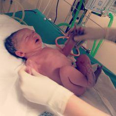 7. dítě 7. dubna v roce '14 narozené v #porodnici #Nemocnice Na #Bulovce je Sofinka, 3440 g, 51 cm. Narodilo se mluvčímu nemocnice. Třeba bude pokračovat v tátově profesi :0)