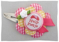 Make your own hairclip with flatback buttons / Maak zelf haarspeldjes met flatback buttons. #haarspeldjes-fabriek