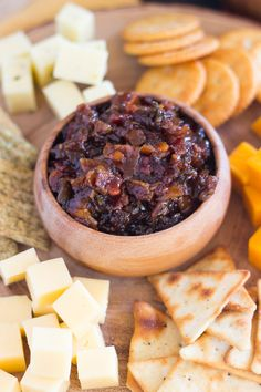 msg 4 This Whiskey Maple Bacon Jam is the most incredible holiday party food. It's salty, sweet, smoky, spicy, and tangy - a little of everything. Quick And Easy Appetizers, Easy Appetizer Recipes, Delicious Desserts, Yummy Food, Bacon Stuffed Mushrooms, Bacon Jam, Maple Bacon, Caramelized Onions, Holiday Recipes