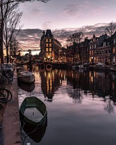 Amsterdam Holland, Amsterdam City, Amsterdam Canals, Central Station, Where To Go, Gabriel, Netherlands, Beautiful Places, Europe