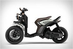 TRICICLO YAMAHA 03GEN-X  Inspirado pela a Tricity scooter recém-lançada, a Yamaha lançou os modelos de conceito Gen, 03GEN-f e 03GEN-x (apresentado aqui).