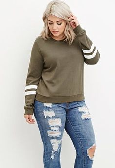 Fall Outfits Plus Size Varsity-Striped Sweatshirt Outfits Plus Size, Plus Size Fall Outfit, Plus Size Winter Outfits, Look Plus Size, Plus Size Casual, Plus Size Style, Casual Outfits, Cute Outfits, Fashion Outfits