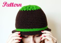 Crochet Dual Pattern Cloche Hat / Skullcap with Fancy Circle Motif on Top
