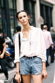 Model-Off-Duty Street Style Of Ruby Aldridge In Denim Shorts