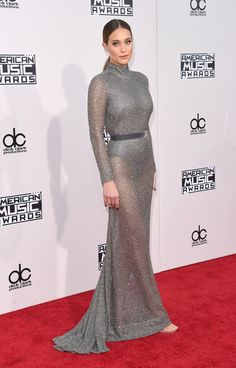 Hannah Davis | Here's What The Stars Wore To The 2015 AMAs