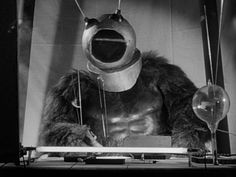 Ro-Man from Robot Monster- destroyer of all mankind and lover of bubbles! Sci Fi Movies, Horror Movies, Creature Movie, Robot Monster, Monster Costumes, Classic Sci Fi, Marvel Films, Weird Science, Animated Gif