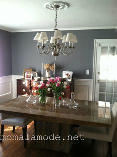 My Gray Dining Room: #BenjaminMoore Cinder and Dove White via @momalamode