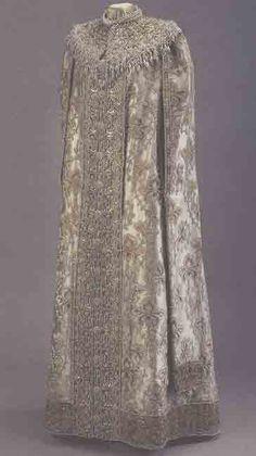 Dress worn by Grand Duchess Xenia Alexandrovna