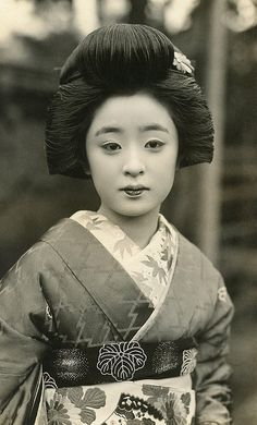 Geiko Tomeko 1930s by Blue Ruin1, via Flickr