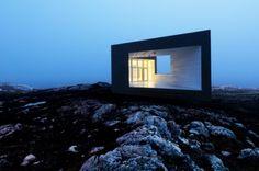 Estúdios de arte concebidos por Saunders Arquitetura para a Fundação Shorefast na Ilha do Fogo, em Terra Nova, no Canadá. O projeto é a base para um Programa de Artes emResidências a partir de 2010. Os estúdios serão construídos em locais remotos na Ilha do Fogo em Terra Nova, num local
