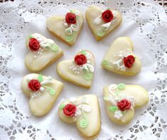 svatební cukroví inspirace - Hledat Googlem Heart Cookies, My Tea, Cookie Decorating, Tea Time, Biscuits, Sweets, Sugar, Cake, Images