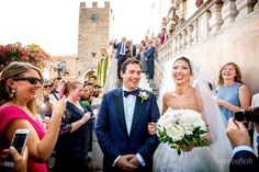 Wedding at the San Giuseppe church in Taormina, Sicily. The confetti tossing!
