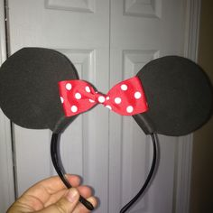 DIY Minnie mouse headbands for Mickey themed birthday party!