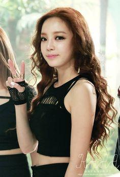 Hara - KARA - Mamma Mia Kara Mamma Mia, Goo Hara Kara, Nude Makeup, Beautiful Person, Korean Girl Groups, Asian Beauty, Camisole Top, Hair Beauty, Lady