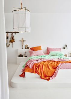 How To Home Decor Sorbet hues. Kip&Co - First Light collection.How To Home Decor Sorbet hues. Kip&Co - First Light collection Bedroom Styles, Bedroom Colors, Bedroom Decor, Colourful Bedroom, Bedroom Signs, Decorating Bedrooms, Fall Decorating, Bedroom Ideas, Bed Sets