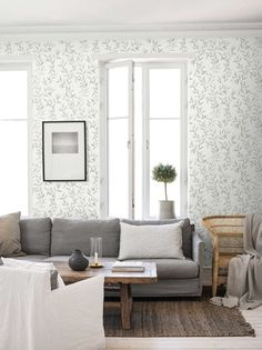 The wallpaper Sense - 1170 from Boråstapeter is a wallpaper with the dimensions x m. The wallpaper Sense - 1170 belongs to the popular wallpaper colle Vintage Floral Wallpapers, Classic Wallpaper, Tree Wallpaper, Scandinavian Design, Beautiful Homes, Outdoor Furniture Sets, Sweet Home, Living Room, Interior Design
