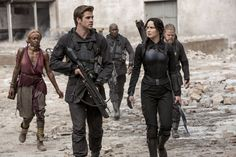 Hunger Games Mockingjay Part 2 Movie Online. The Hunger Games - Mockingjay Part will be distributed in Italy, in the cast are Jennifer Lawrence The Hunger Games, Hunger Games Movies, Hunger Games Catching Fire, Hunger Games Trilogy, Hunger Games Costume, Tribute Von Panem Mockingjay, Tribute Von Panem Film, Hunger Games Mockingjay, Mockingjay Part 2