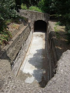 Rome, Palatine Hill, original 2000 year old roadway with tunnels