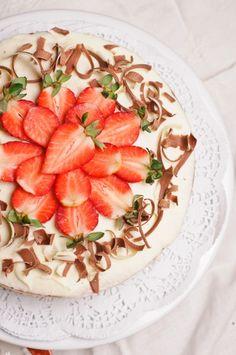 New style Victoria Cake- Prăjitură Victoria (în stil nou) « KissTheCook