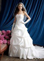 David's Bridal Wedding Dress: Strapless Sweetheart Pick-Up Ball Gown Style WG3239