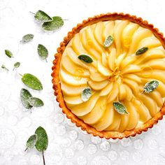 Put more herbs in your desserts! Pear Tart with Sage Custard and Candied Sage Leaves by (recipe by Sage Recipes, Pear Recipes, Desserts Menu, Dessert Recipes, Fall Desserts, Yummy Easy Snacks, Pear Dessert, Pear Tart, Almond Butter Cookies