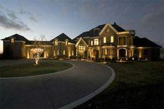 million dollar houses Celebrity Mansions, Celebrity Houses, My Dream Home, Dream Homes, Dream Mansion, Rich Home, Million Dollar Homes, Dream House Exterior, Big Houses