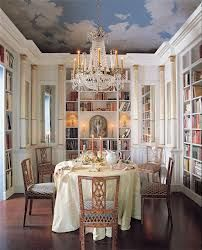Another fabulous dining/library space. This one is a Nicky Haslam Design jan_saunders Another fabulous dining/library space. This one is a Nicky Haslam Design Another fabulous dining/library space. This one is a Nicky Haslam Design New Orleans Homes, New Homes, Decor Inspiration, Beautiful Dining Rooms, Beautiful Space, Built In Bookcase, Bookshelves, Home Libraries, Ceiling Decor