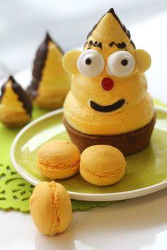 "Funny ""carolina"" (Basque cake made of meringue and rice cake) with lemon macarons // Una divertida carolina y macarons de limón"