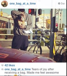 Not all of us can do Great things, but we can all do small things with Great Love, Founder of 'One Bag At Time' is doing just that as he goes around blessing the homeless people with bags of food, if you are in Phoenix check them out @one_bag_at_a_time and help them if you can #CSR #brotherskeeper #helpinghand #randomactsofkindness #charity #payingitfoward #changetheworld #charitywork #socialglims #socialmedia #socialmedianews #socialmediamarketing #dubai #expo2020 #mydubai