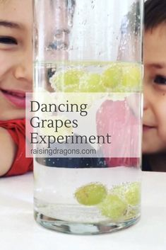 Dancing Grapes Science Experiment ages 3 is part of Science Art For Toddlers - This dancing grapes science experiment is so simple to set up and will have your whole family amazed! All you need are some grapes and seltzer water! Science Week, Science Experiments For Preschoolers, Easy Science Experiments, Science Fair Projects, Science Lessons, Science Fun, Science Stations, Science Daily, Summer Science
