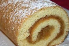 Apple-nut roll for tea in 15 minutes - DIY und Selbermachen - Russian Pastries, Sour Cream Sauce, Sweet Bakery, Romanian Food, Russian Recipes, Seafood Dishes, Dessert Recipes, Desserts, International Recipes