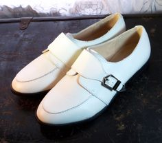 SHOE MINT ~ Women's Chalk White Buckle Oxfords ~ Size 7.5 - 8 M #ShoeMint #LoafersMoccasins
