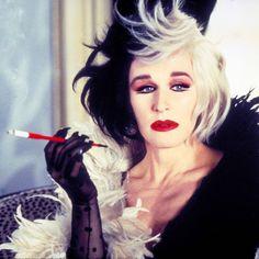 Cruella DeVille || 25 Halloween costume ideas: http://sonailicious.com/halloween-makeup-ideas-movie-characters/