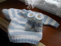 maglioncino e scarpine in lana fatto a mano