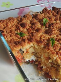 Crumble de tomates au chevre simple baked tomatoes with mozzarella and parmesan cheese a delicious fresh tomato summer recipe perfect as a main dish or appetizer bakedtomatoes roastedtomatoes tomatoes summerrecipe appetizer Veggie Recipes, Vegetarian Recipes, Cooking Recipes, Healthy Recipes, Healthy Food, Beste Brownies, Food Porn, Cuisine Diverse, Salty Foods